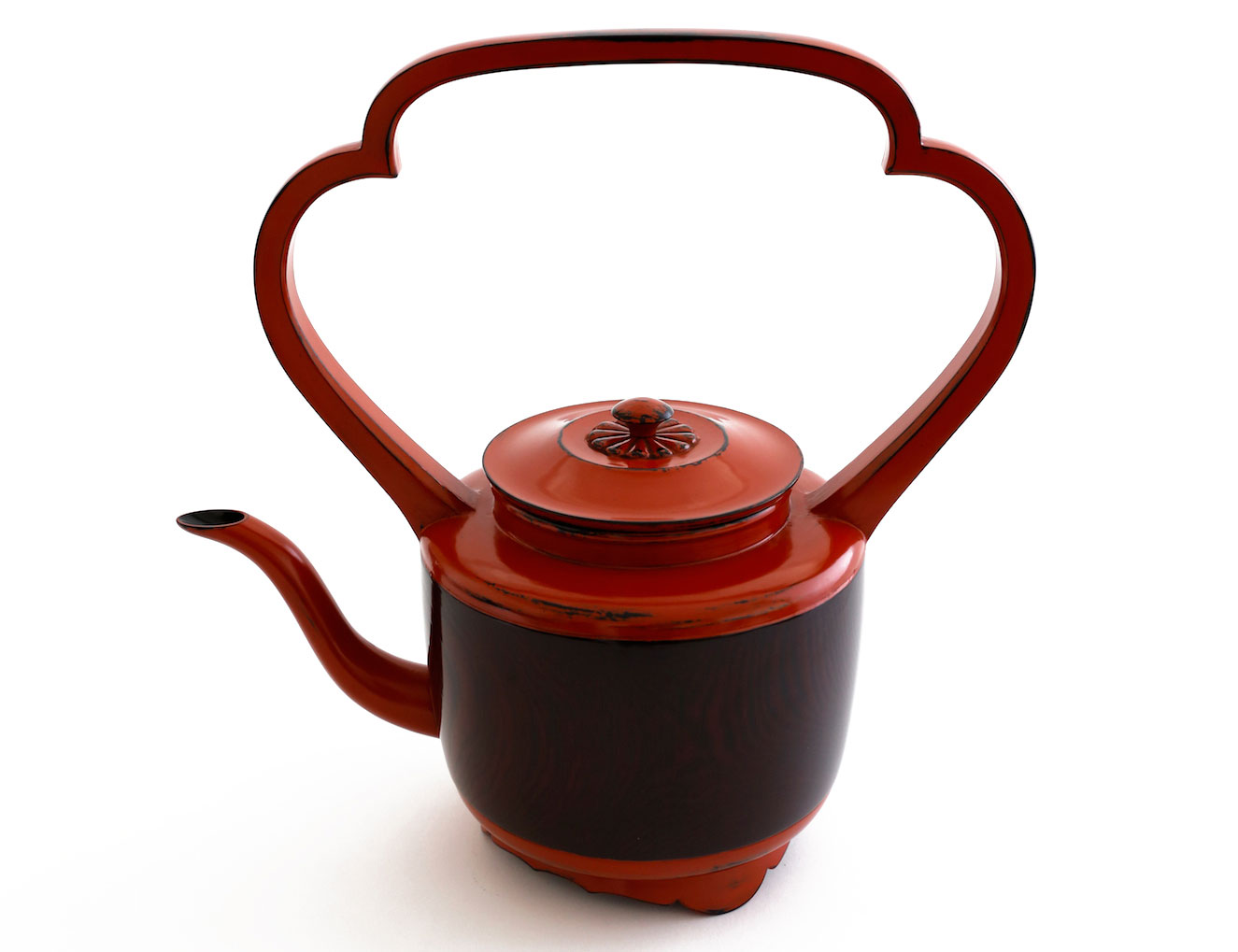 ©  Ippodo Gallery , lacquer water pitcher by Jihei Muras