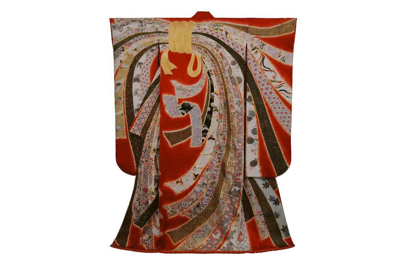 © Kimono by  Chiso , photography by  Yoshikiho Ueda