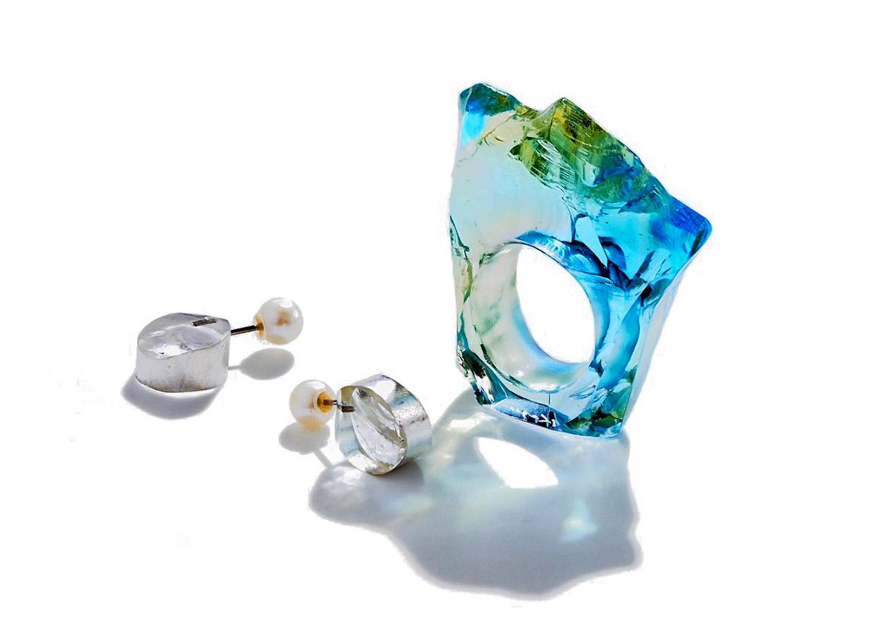 © Kazuko Mitsushima at  Gallery Deux Poissons , Glass Ring