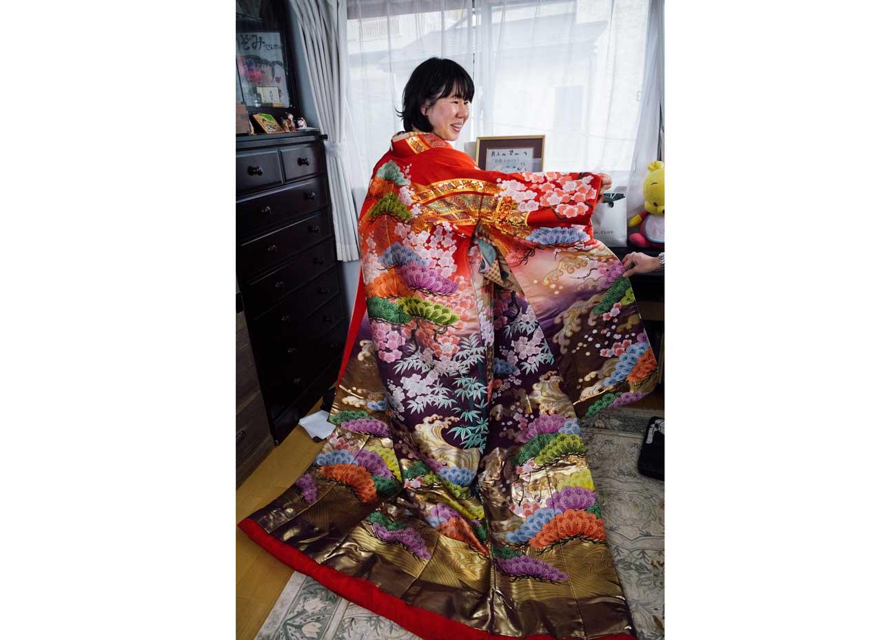 © Todd Fong, Kimono Closet. Nozomi's wedding kimono.