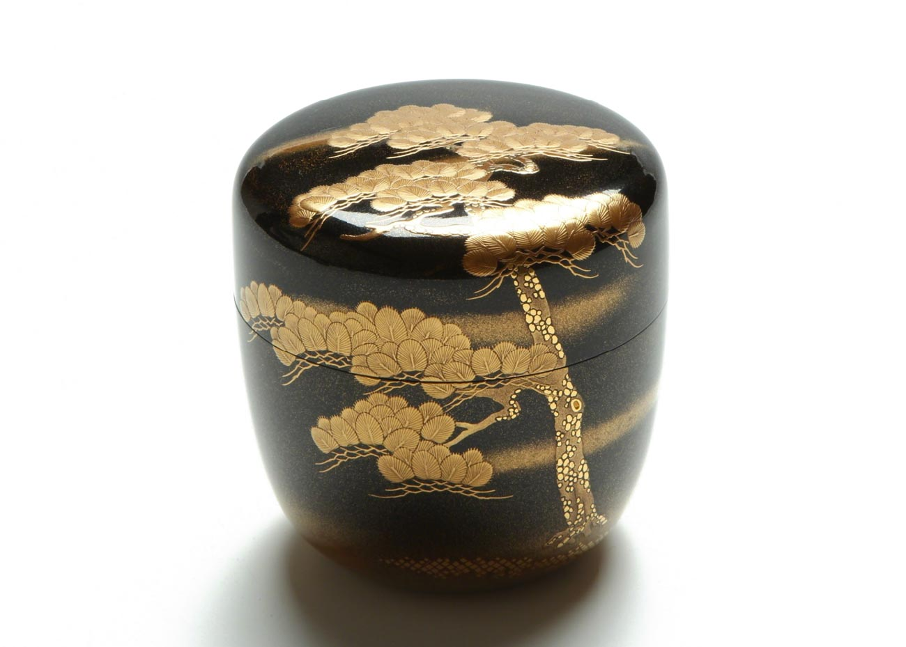 © Kiyose Ikko, Pine Tree Lacquer Tea Caddy