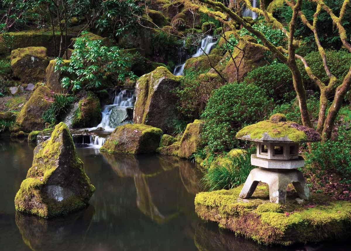 © Michel Hersen, Snow Viewing Lantern at the Portland Japanese Garden