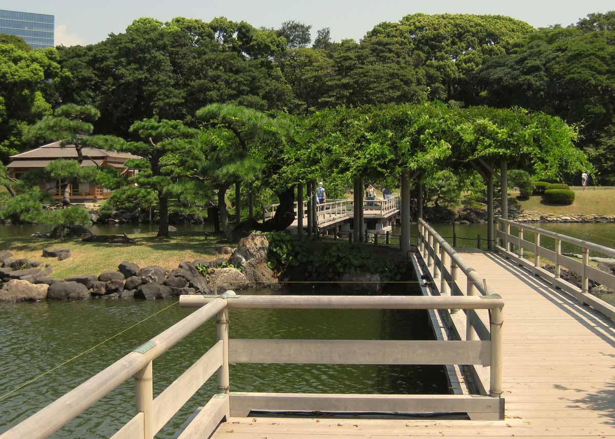 © Anika Ogusu, Real Japanese Gardens, Zigzag Bridge