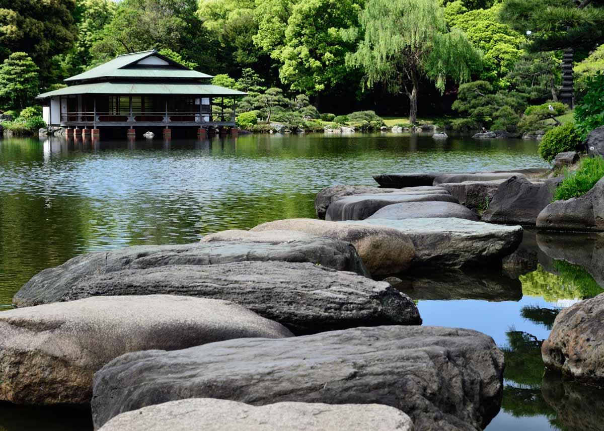 © Kiyosumi Garden, Stepping Stones