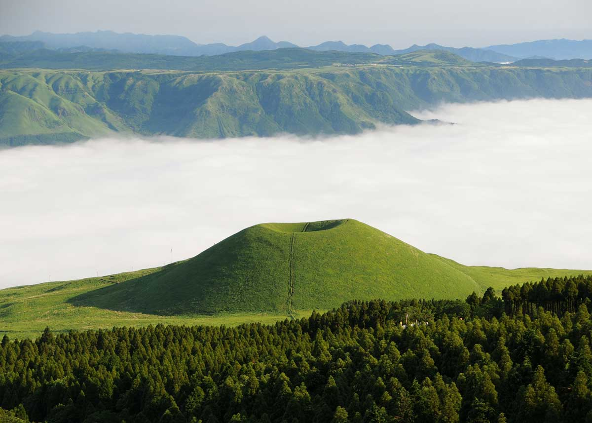 ©  Travelbusy.com , Mount Aso