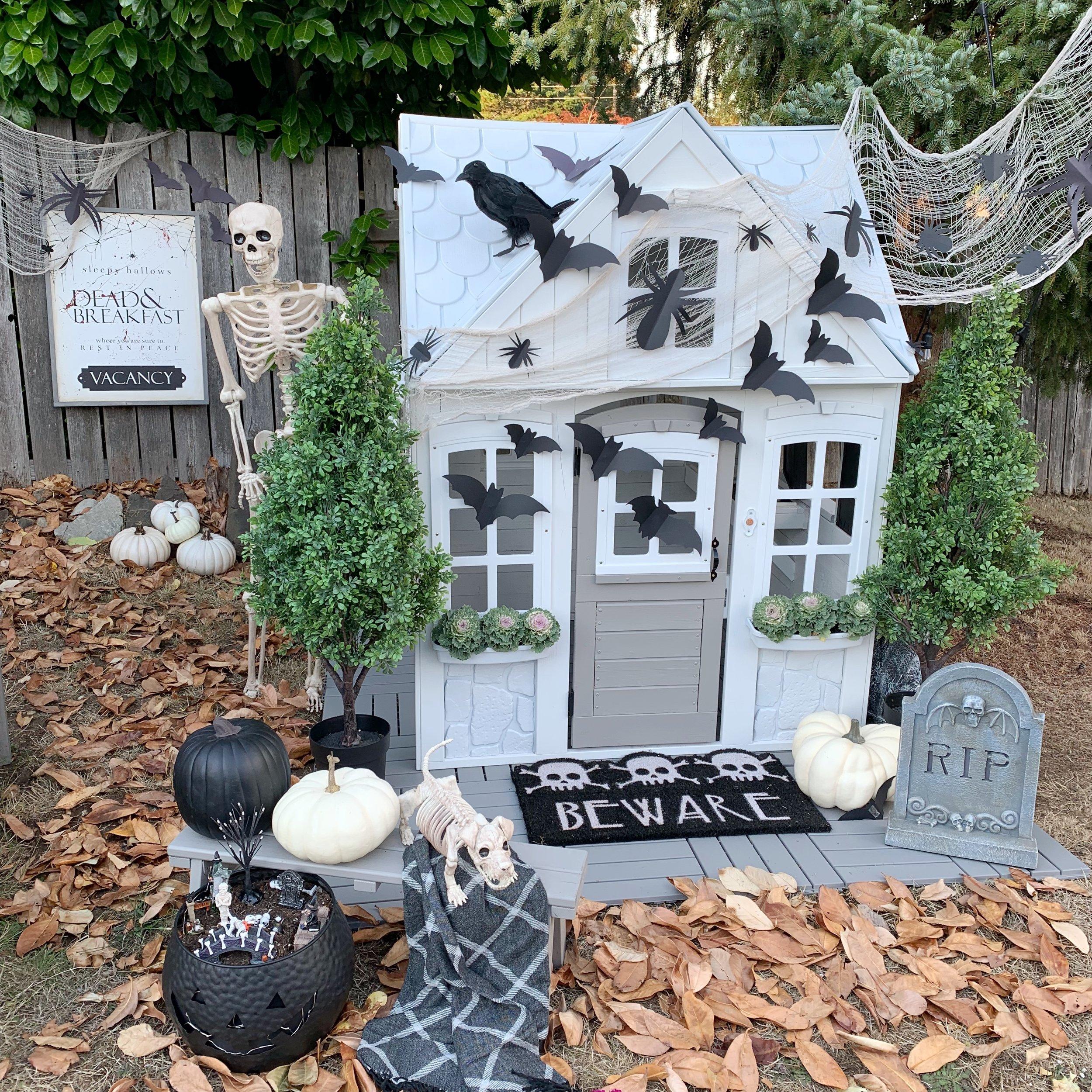 halloween playhouse.jpg