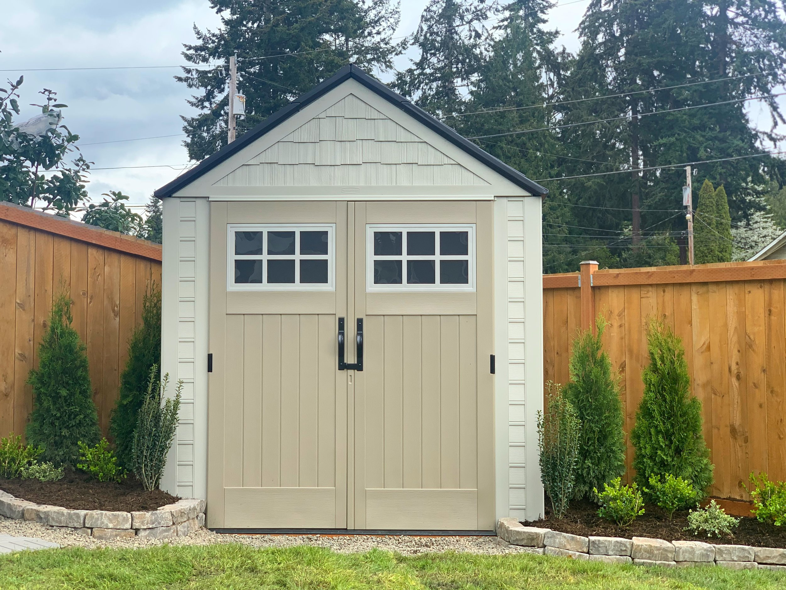 Small Space Living : Rubbermaid® Outdoor Storage Shed — Dreaming of ...