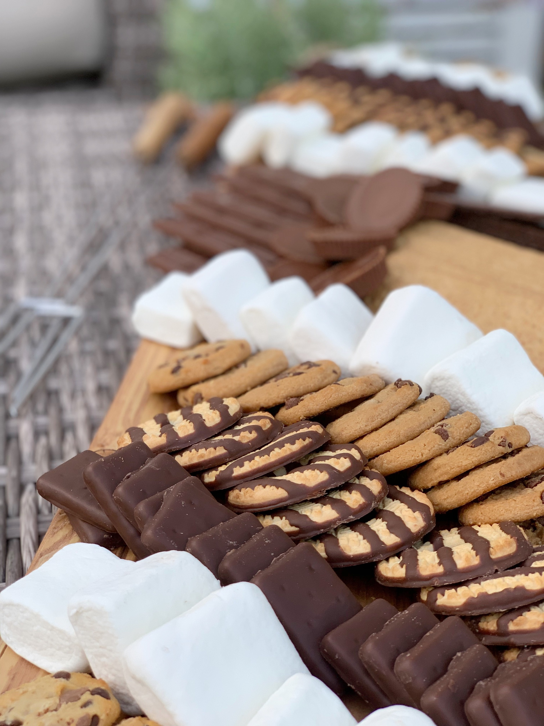 s'more charcuterie board cookies