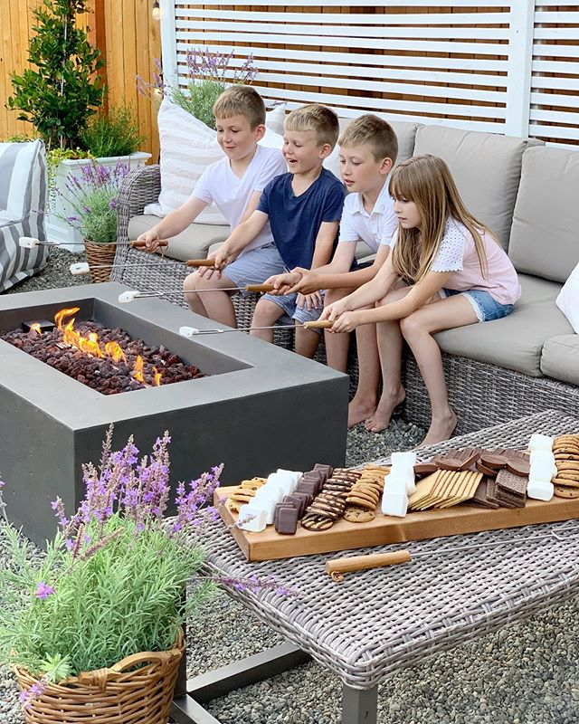 Happy Saturday friends! Today is full of projects for us, but tonight you will find us here enjoying some s'mores for #nationalsmoresday Check the blog later today for our charcuterie filled with everything we love for s'mores, you will see all the details along with my favorite finds from #bedbathandbeyond . .  #farmhousestyle #farmhousedecor #farmhouse #cottagestyle #cottagestyledecor #modernfarmhouse  #farmhousedesign #farmhouseliving #bhghome #nationalsmoreday #outdoorliving #firepit #smores  #diyproject #outdoor #backyarddesign #bhghome #showemyourdiy #fixerupperstyle #fixerupper #darlinghome #imsomartha #howyoudwell