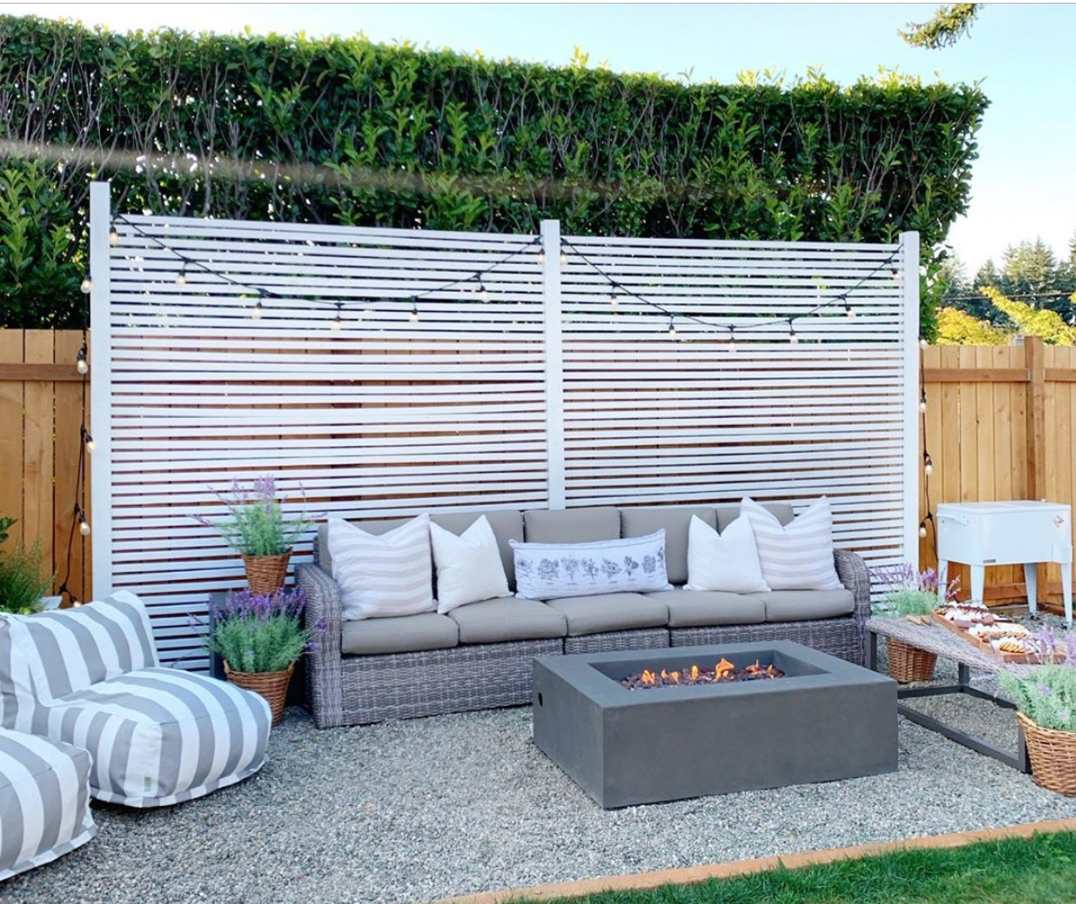 Dreaming of Homemaking Privacy Screen