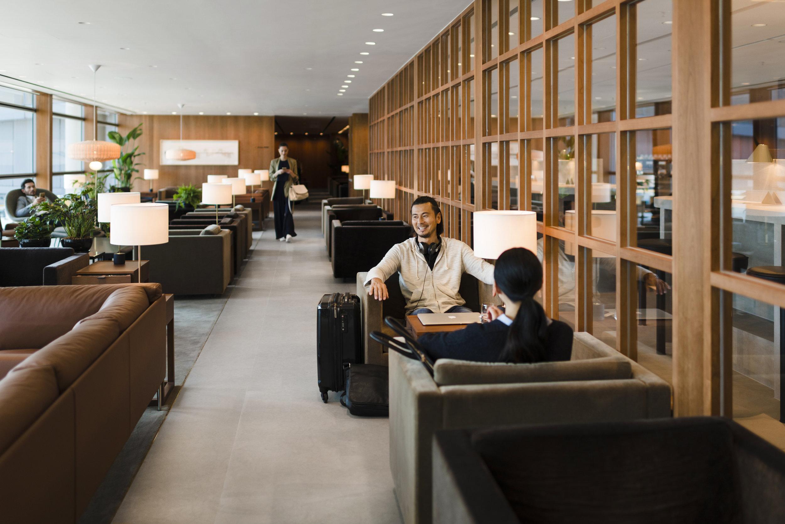 Cathay Pacific Lounge Hong Kong Review.jpg