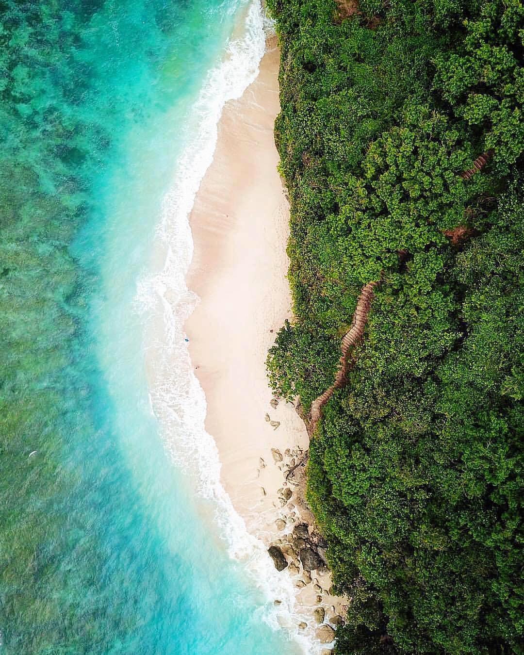 haciendo_escala_worlds most remote beaches_modern getaways.jpg