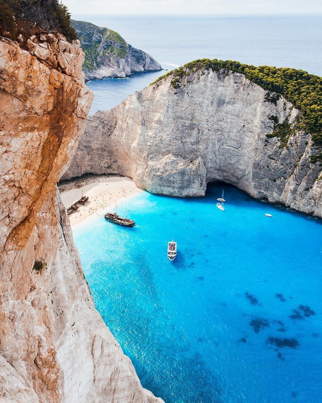 kerstin_wirz_worlds most remote beaches_modern getaways.jpg