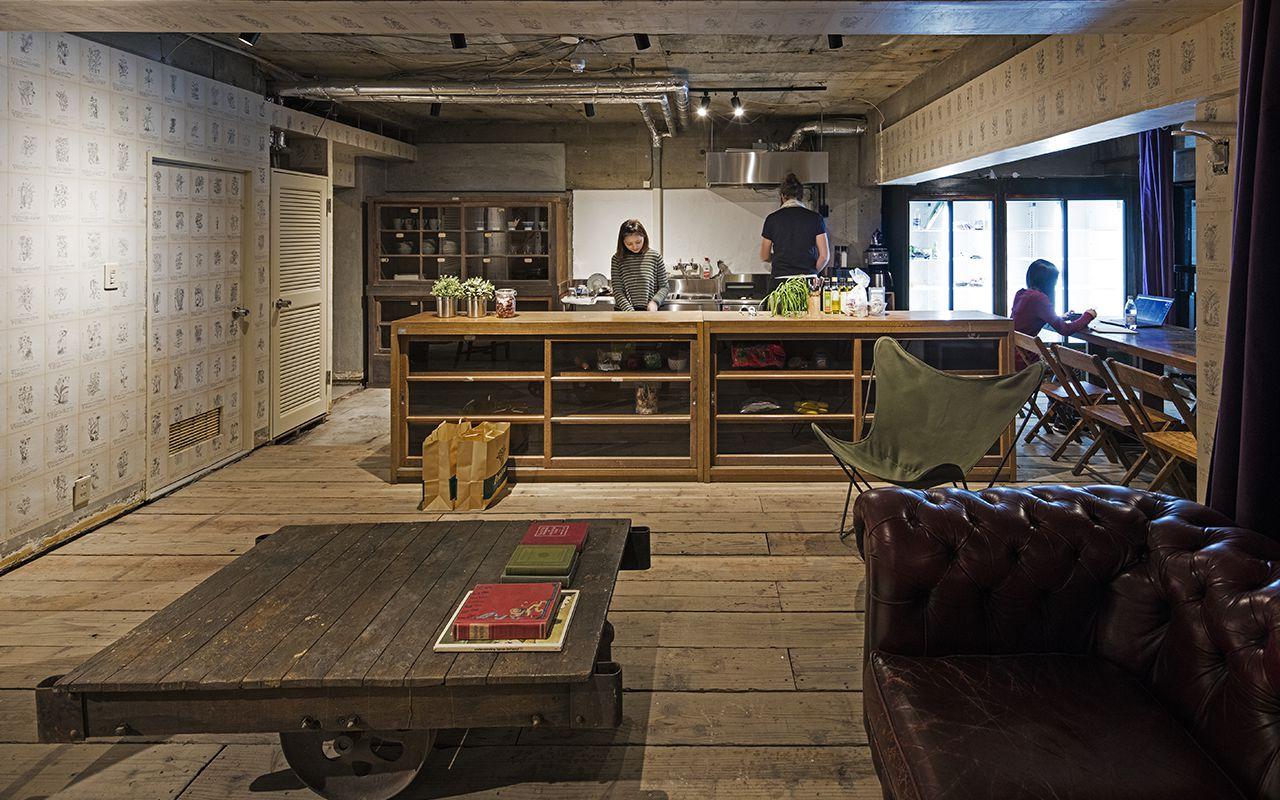 roam-coliving-tokyo-akasaka-roppongi-communal-kitchen-6-0117b4b9a136f7abb5bddc4141d96400.jpg