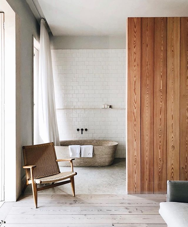 monday's call for a good soak 🛁 pic by @aguynamedpatrick