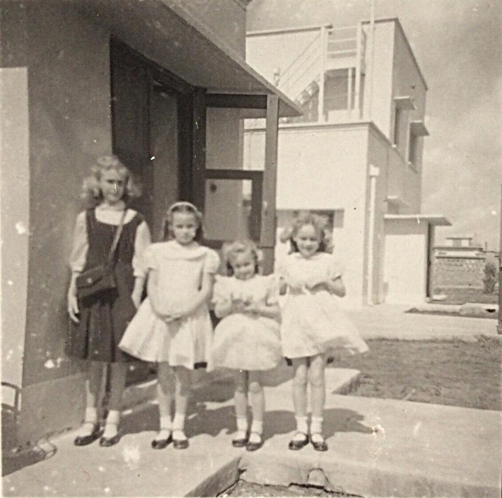 The Newton Sisters - 1957 - Kirkuk, Iraq