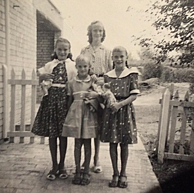 The Newton Sisters going back to school - September 1959 - Kirkuk, Iraq