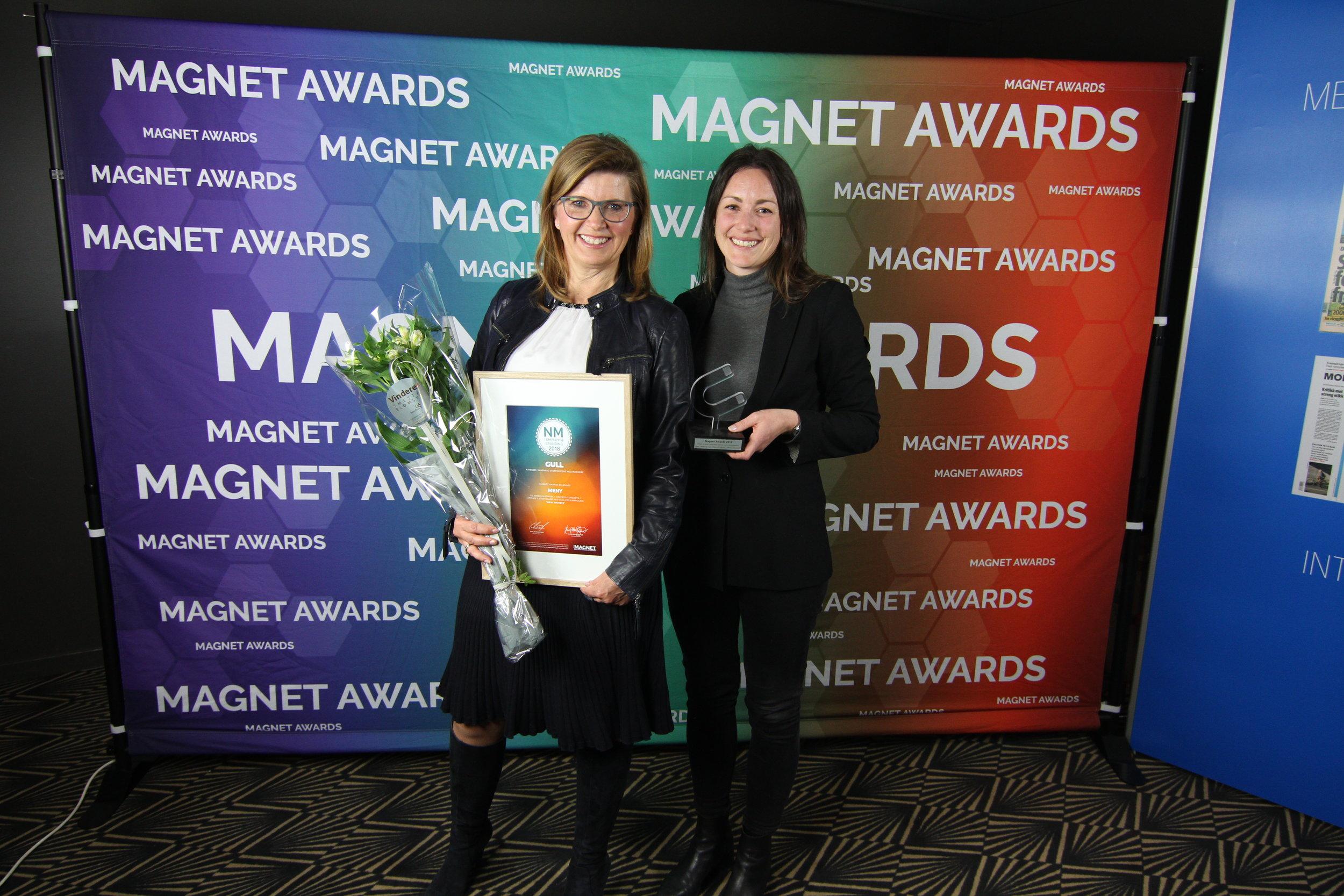 Fra venstre: HR-direktør i MENY, Line Beate Jebsen og seniorkonsulent i Varde Hartmark, Malene Hoftun Jæger (foto: Magnet Awards)