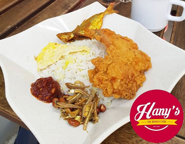 Singaporean's favourite dish, the Nasi Lemak! Packed with rich flavours that will blow your mind! So what are you waiting for? Come down now to our cafe located at Tampines Blk 406 #01-23  If you would like us to provide sumptuous food for your event, production or filming, do contact us at +65 65898478 or +65 90034209 or you may email us at hello@hanysthebrunchstore.com  Visit our store at :- HANY'S TheBrunchStore 406 Tampines St 41 #01-23 Hello@hanysthebrunchstore.com www.hanys.sg  #foodieguide #fooddelivery #foodcatering #halalfood #halalfooddelivery #burpple #sgeats #tampinesgotwhat #HanysSG #hanysthebrunchstore #catering #supportlocal #deliciousfood #breakfastonthego #breakfast #breakfastpack #breakfastpackage #eggmayosandwich #currypuff #meal #food #halal #singapore