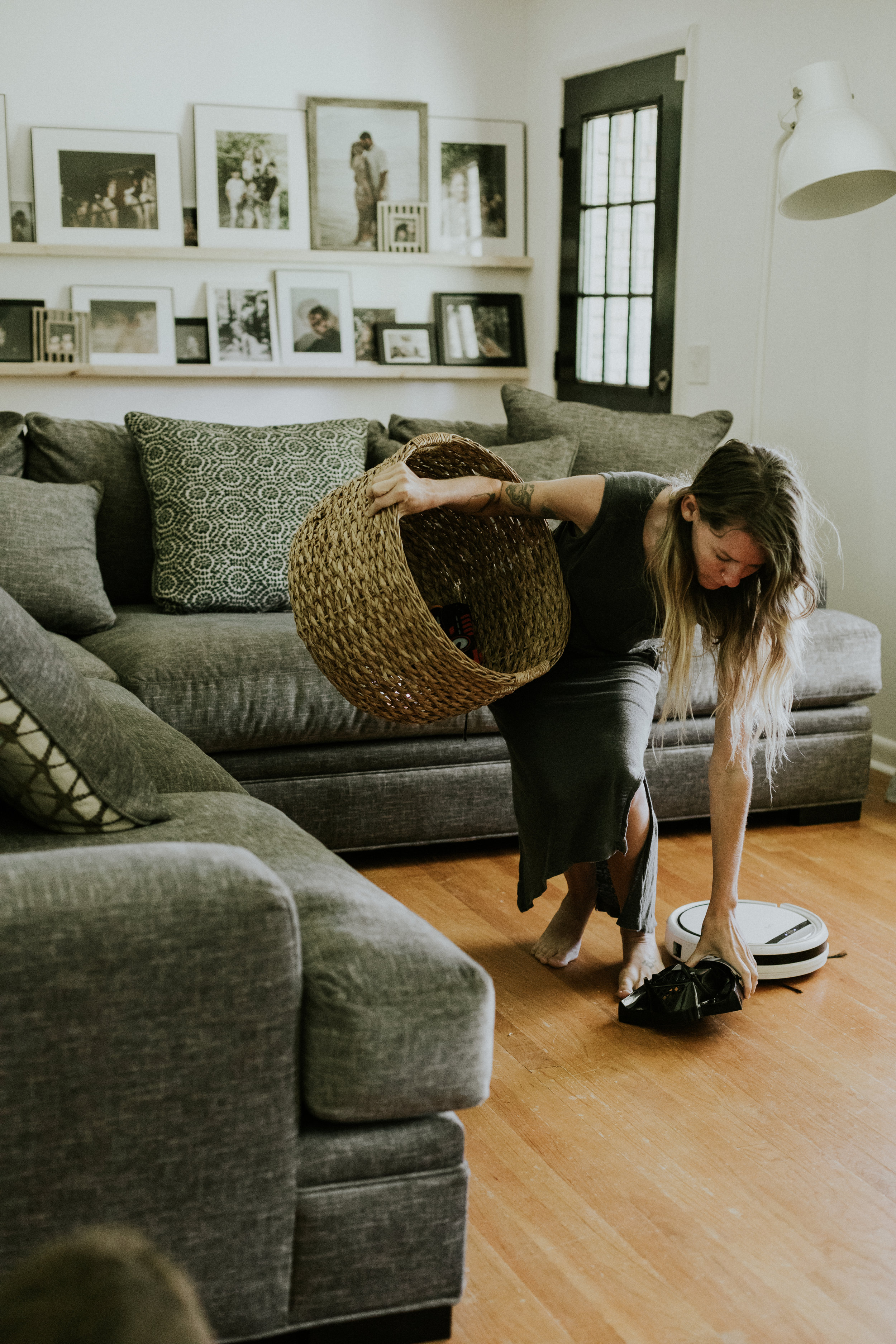 HOW I KEEP MY HOUSE IMMACULATE WITH FOUR CHILDREN AND TWO DOGS. www.thisminimalhouse.com
