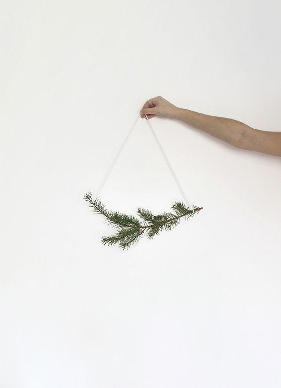 MINIMAL CHRISTMAS DECOR FOR FREE