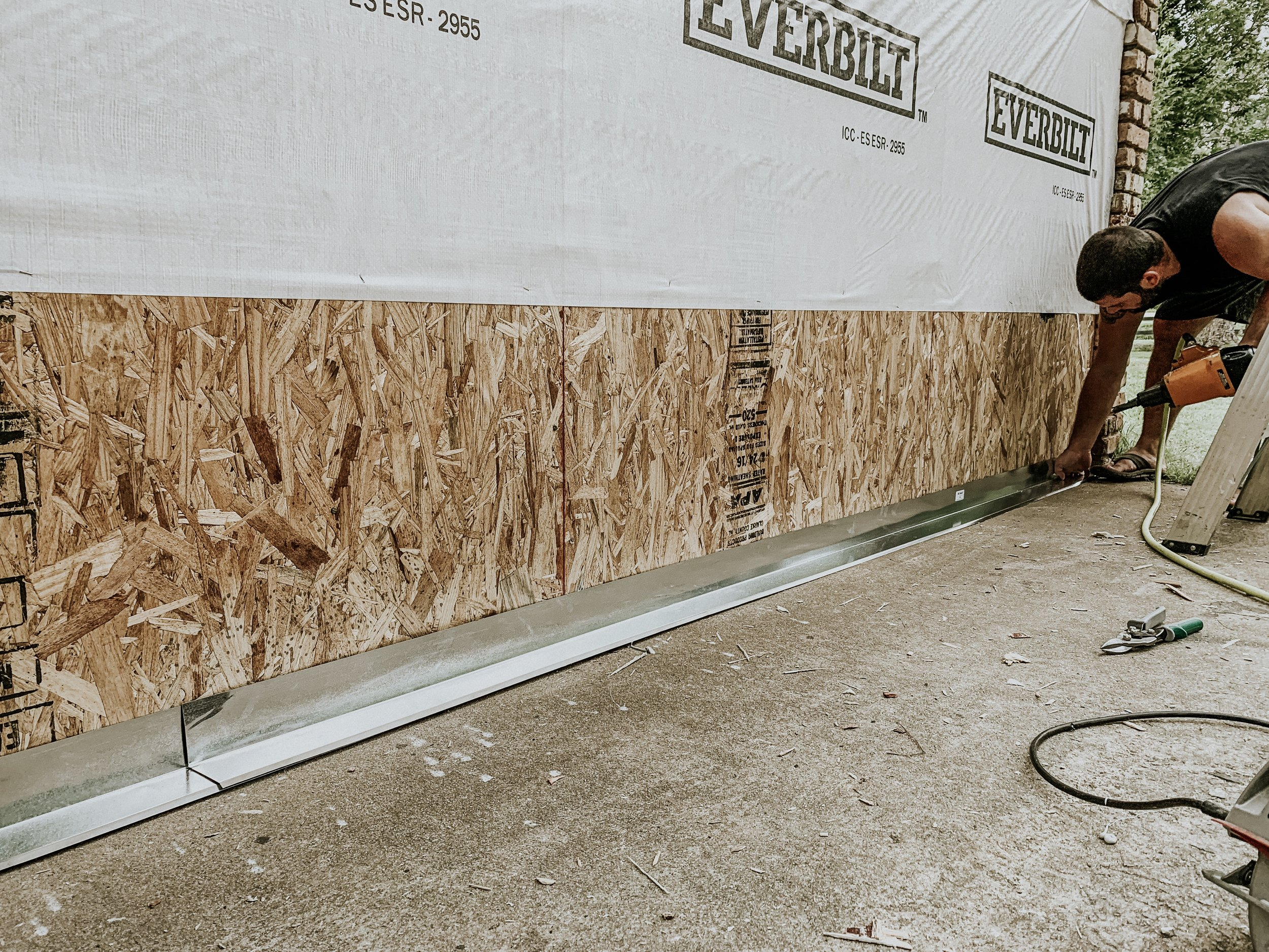 How to install drip edge flashing to an exterior wall