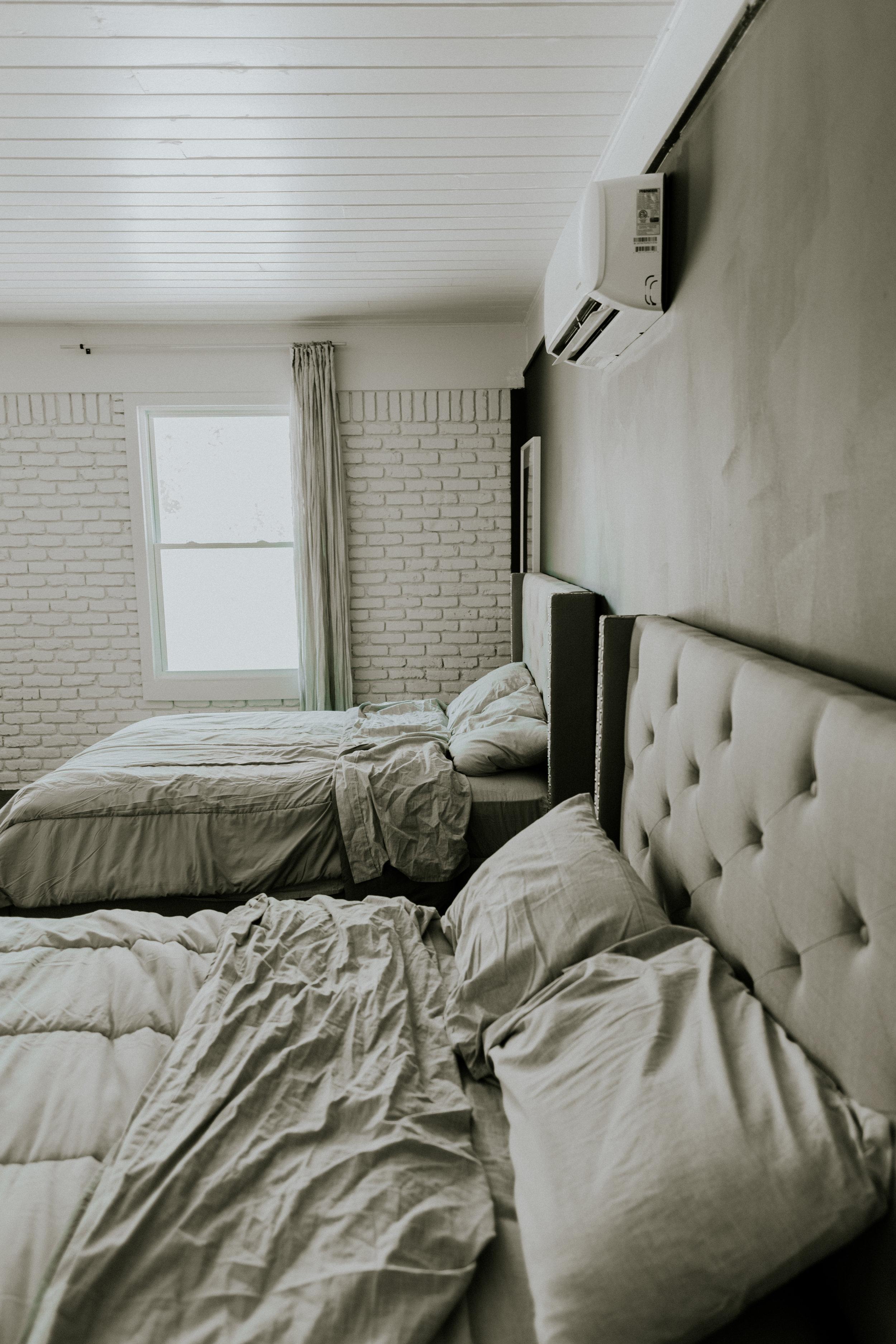 Neutral bedding for kids room