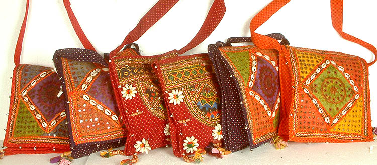 lot_of_six_gujarati_bags_with_threadwork_and_shells_ke17.jpg