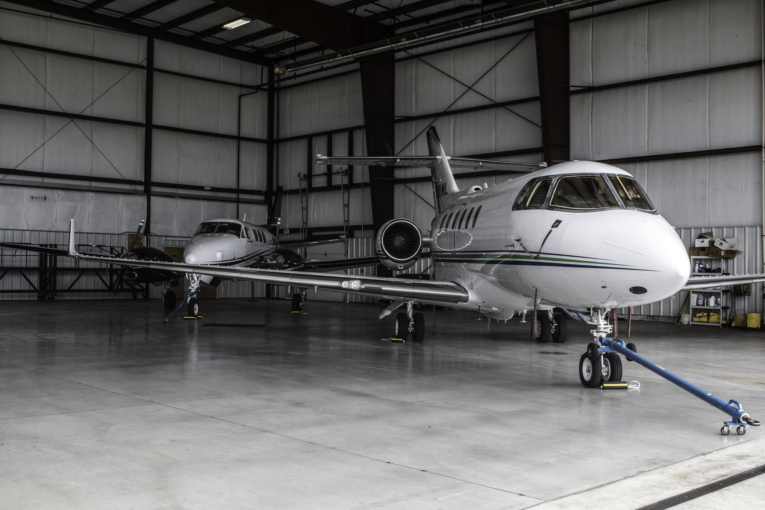 No Special Flight Plan Needed - FDK is conveniently located outside of the D.C. Special Flight Rules Area (SFRA), so special ATC procedures are not required to come and go. This also makes FDK a great alternative option for last minute bookings, weather diverts, or schedule changes.
