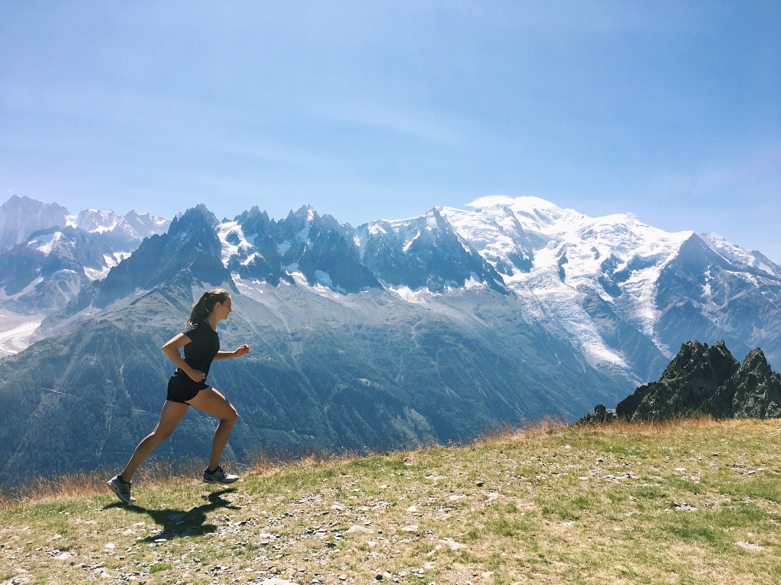 Comparison really is the thief of joy! I share how running taught me to stop the comparison trap and find freedom in so many areas of my life. foody first #wellness #wellnesscoach #holistichealth #france #travel #mountains #running #healthy #health #run