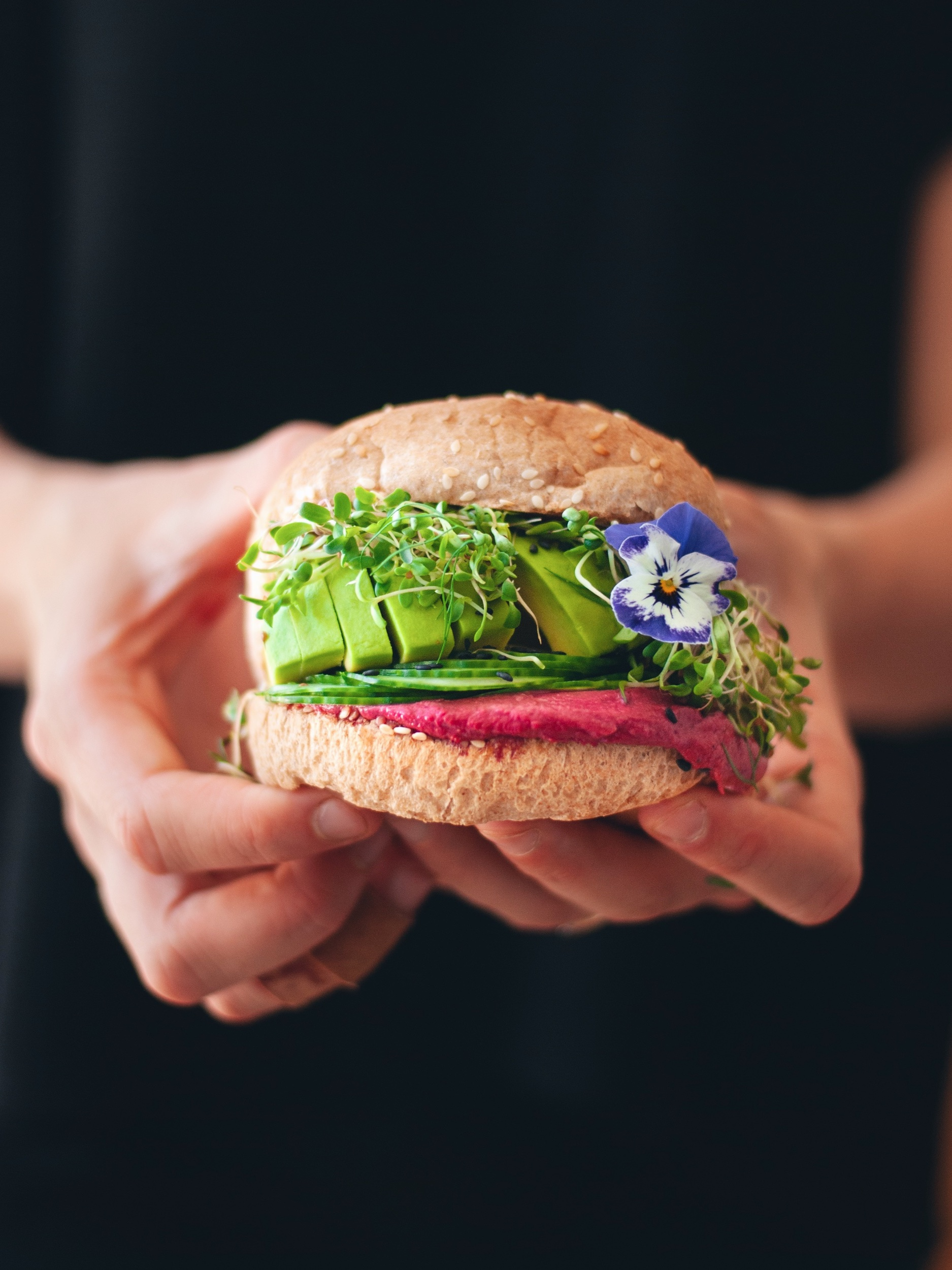 Summer Sandwich with Beet Hummus, Avocado, and Sprouts {Vegan, Gluten Free} - Who said summer is only for burgers?! These summery sandwiches make burger buns shine! - #glutenfree #vegan #vegetarian #dairyfree #summereats #sandwich #glutenfree