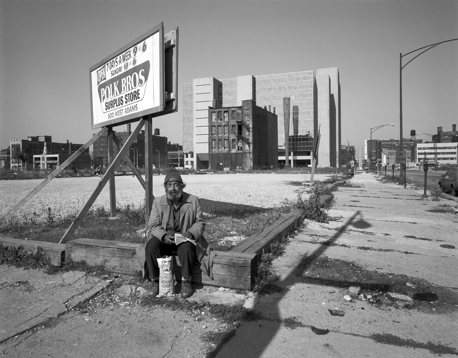 Gerald Lee with Social Security Building Chicago ©1982