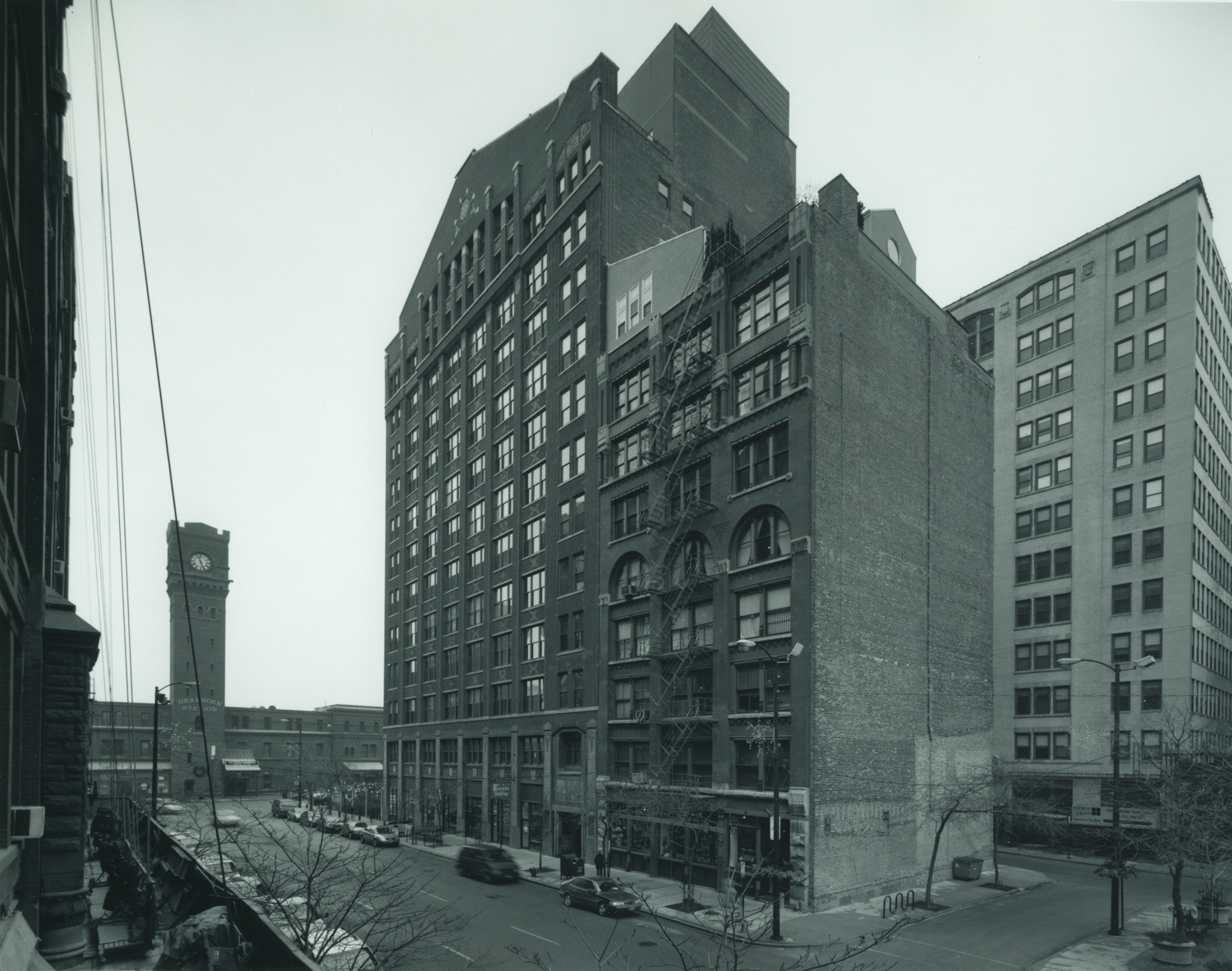 Rowe Building Looking South With Dearborn Station ©2002