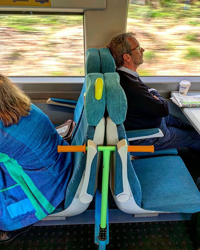 Scooting into London. Southern Rail have thought of it all.  #southernrail #scooterlife #scootcommute #scooterrack #scoot #scootonroute #traindesign #commutercomforts