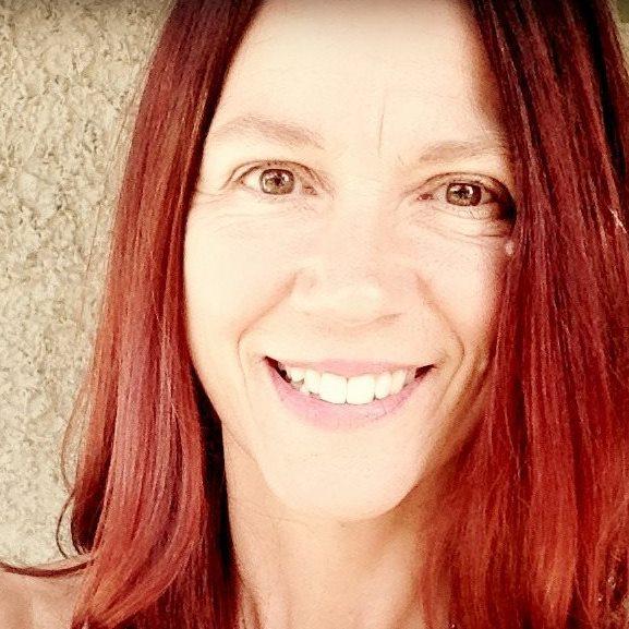 Lori Lothian  ∞ Creator of Awakened Magic. An Enlightened Path to Radiance, Love, Power & Purpose ∞  Pendiri at TheAwakenedDreamer.com