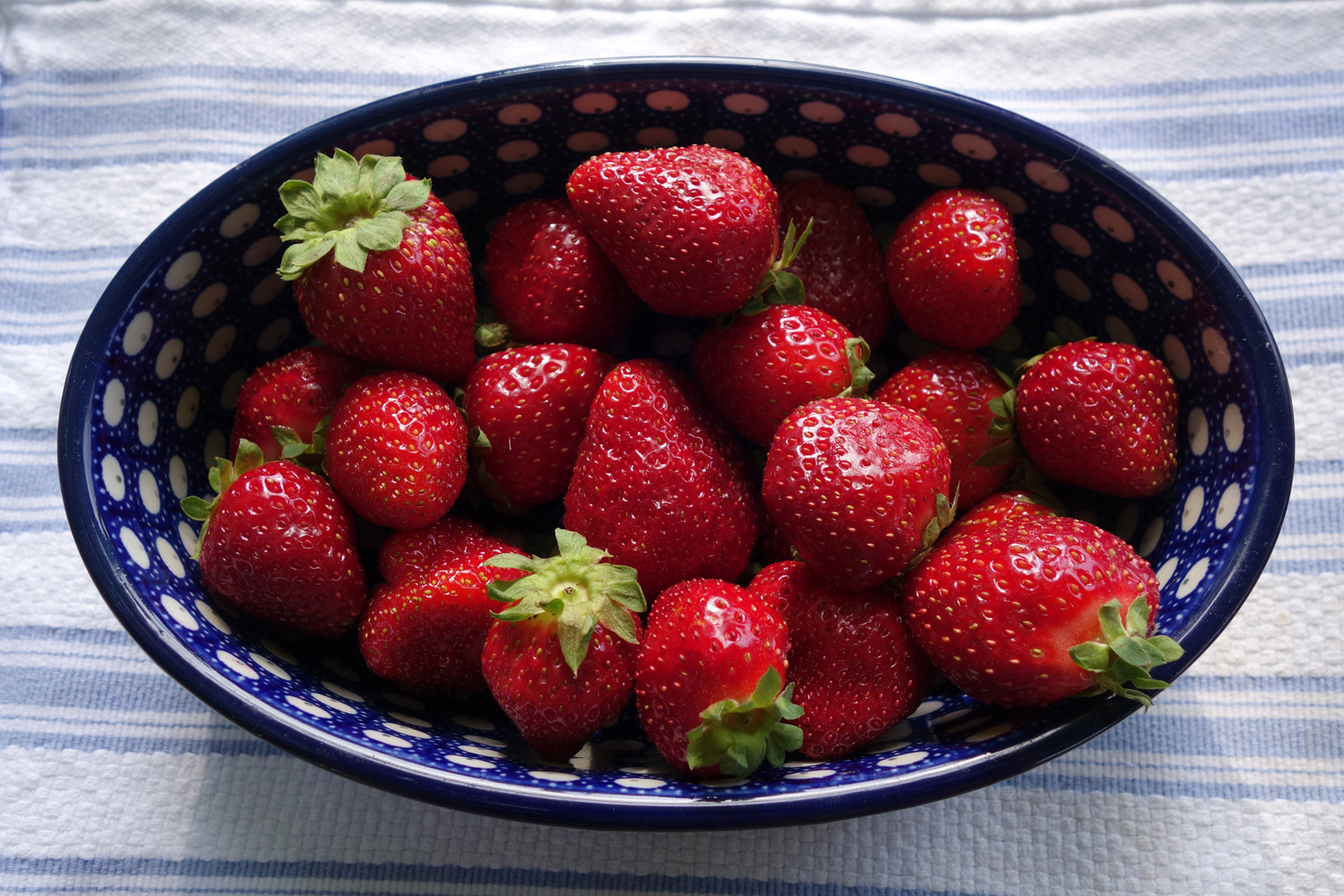 new-york-state-berry-growers-association-strawberries-are-good-for-skin.jpg