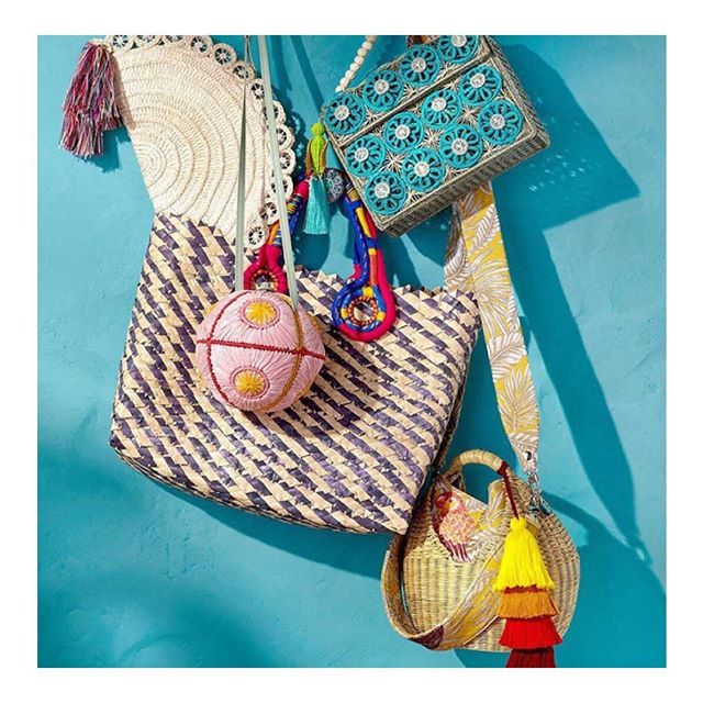 🐠🐞🦞 Beautiful handcrafted @maison_alma in @neimanmarcus! We are dreaming with spring to use each of these straw bags. This season is all about artisanal touches and getaway shapes!