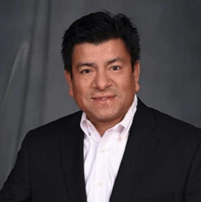 Maestro of Entrepreneurship     Lou Sandoval     National Director of Business Development - Brunswick Corporation