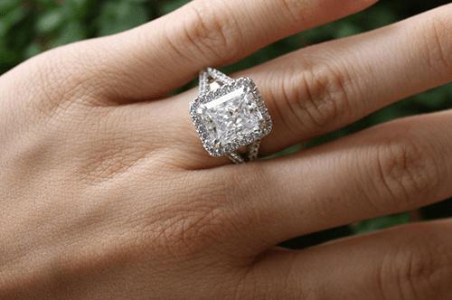 foss-estate-sales-seattle-appraisals-diamond-ring.png