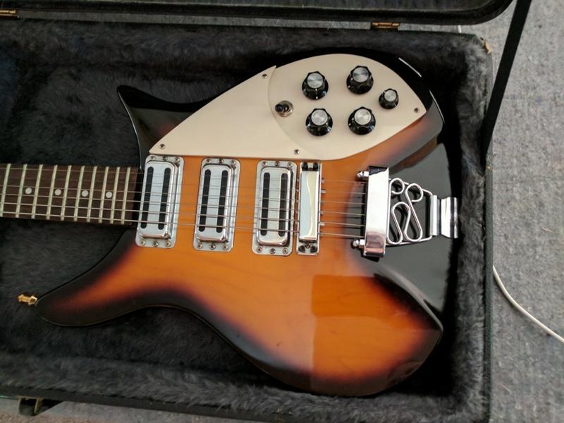 guitar (1070).jpg