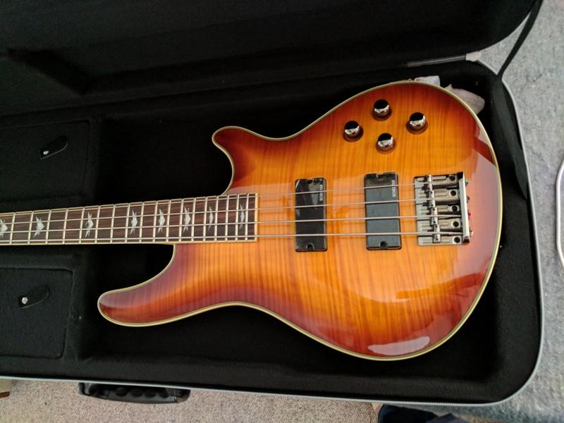 guitar (1214).jpg