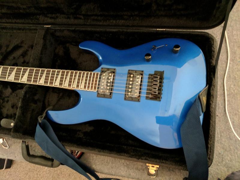 guitar (1245).jpg