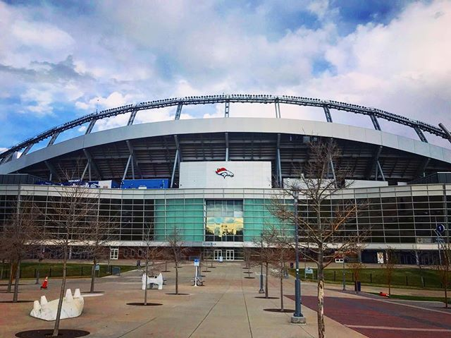 The Mile High Stadium, #Broncos Stadium- is the location of the 2019 #hoopsandhoopla #charity event organized by #Greiner electric! DASi is honored to be a part of the construction community that supports and donates to the #NationalJewishHospital in #Denver #Colorado ! Thank you for all you do 🙏