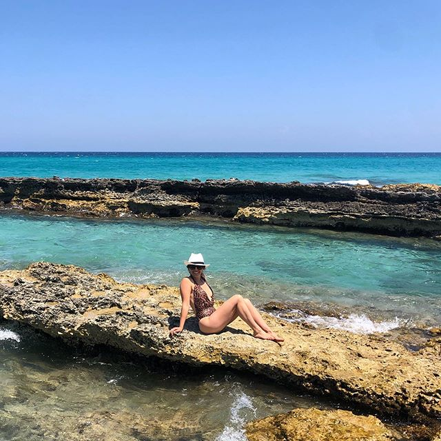 Hope everyone had an amazing 4th of July!!! I was climbing over jagged rocks to try to get an Instagram pic bc I saw a teenager do it. 🤷🏻‍♀️🤦🏻‍♀️😂 . . #italy #puglia #honeymoon #minkstolemyhartmann