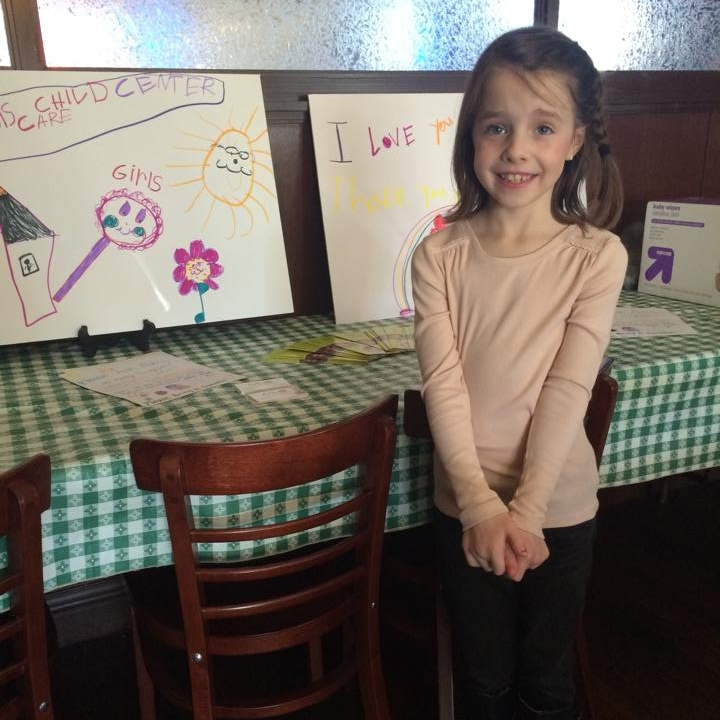 Adley hosted a pizza party and asked guests to bring donations for Ark. She learned about Ark's program and helped spread the word (and made some pretty awesome signs)!