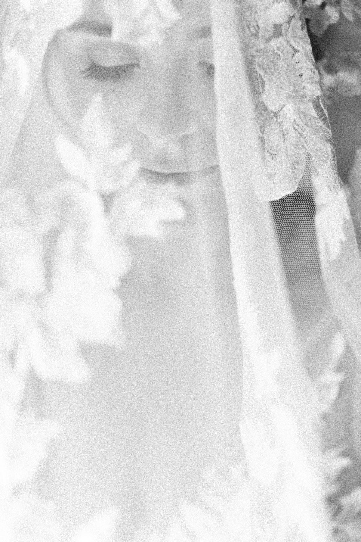 Rava-Winery-Weddings-Paso-Robles-Ashley-Rae-Studio-Wedding.jpg