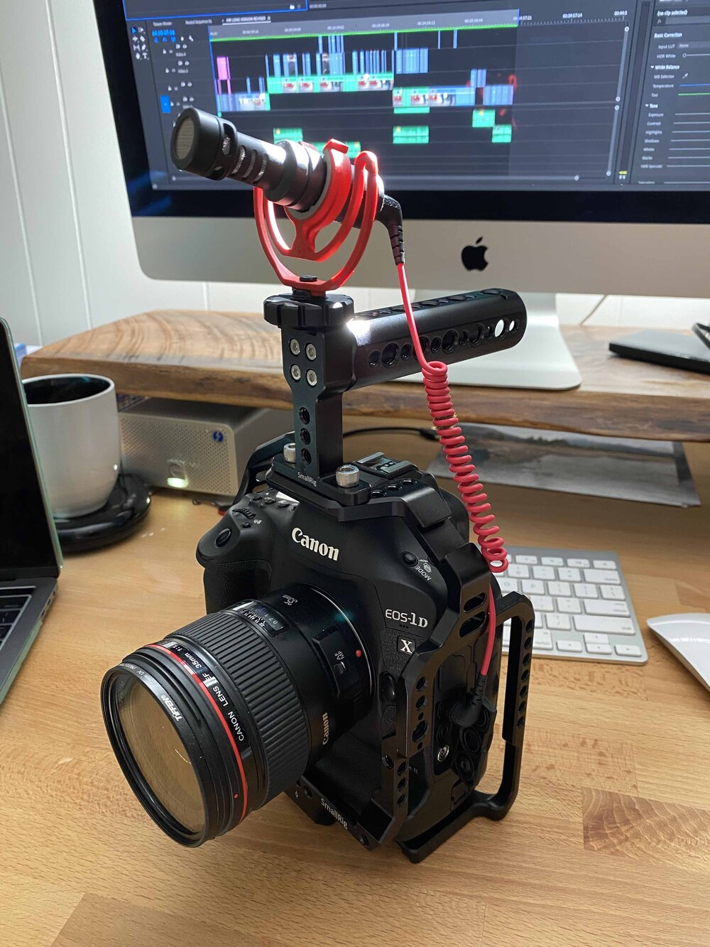 compact rode microphone on camera