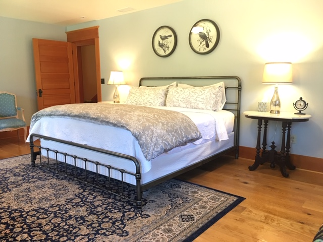 Click the picture for information on our King Suite with a twin day bed and luxury bathroom.