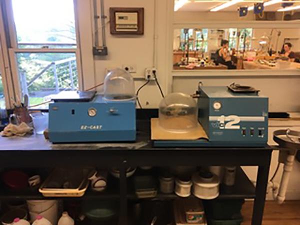 Vacuum casting machine (alternative to centrifugal casting)