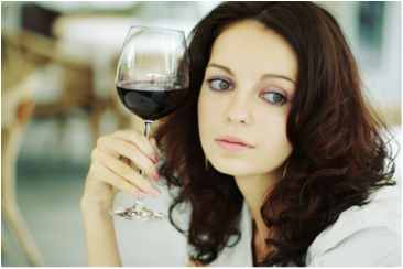 Woman-wiht-Wine.png